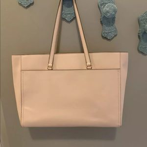 Tory Burch Bags - TORY BURCH Robinson Large Zip Tote ~ Pale Apricot